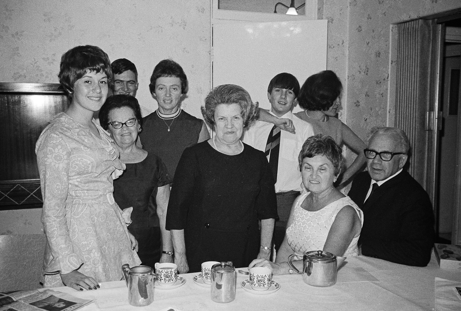 Family after the seder, Parktown - 1969