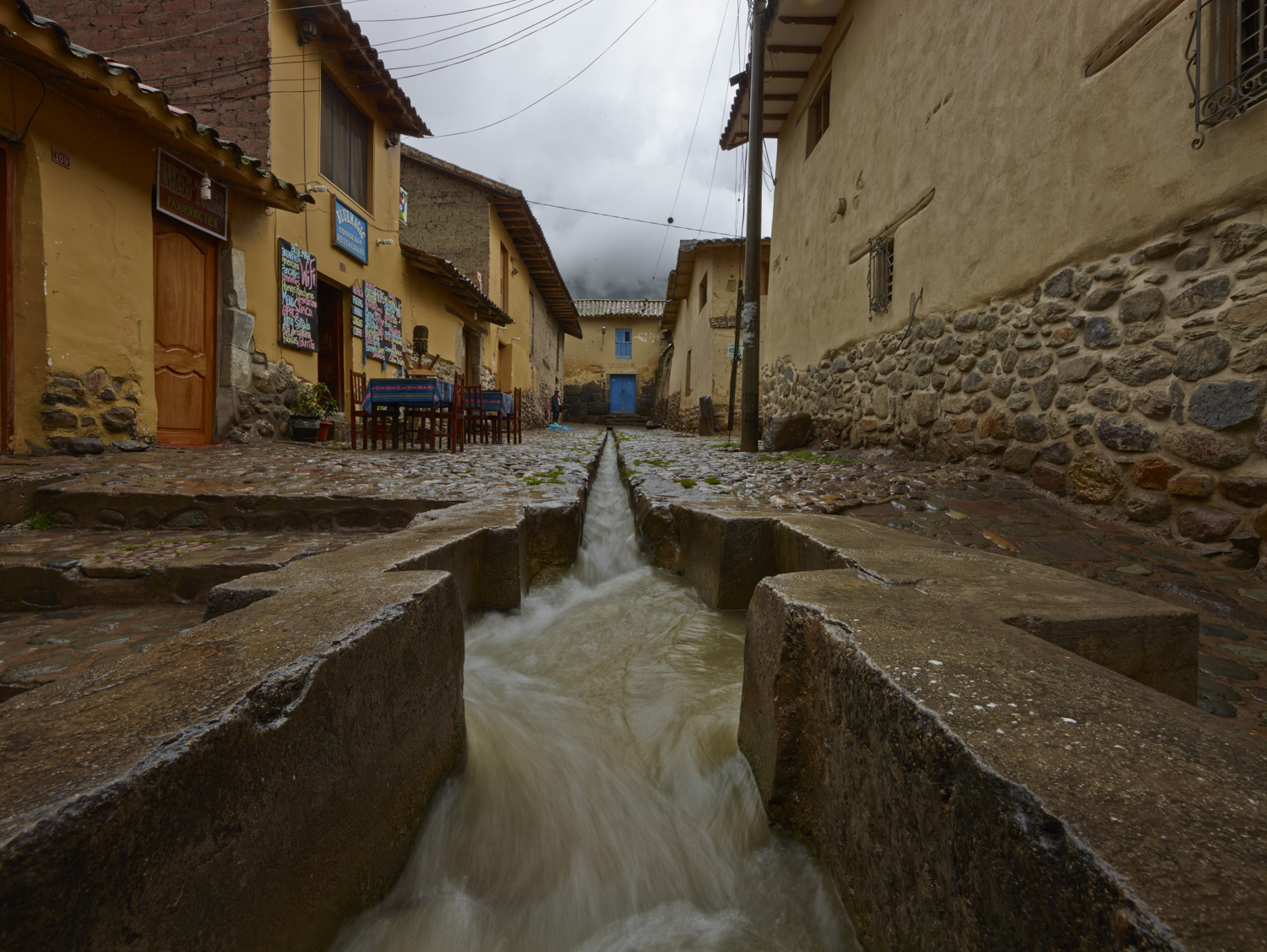 Water channel - Ollentaytambo, February 2016