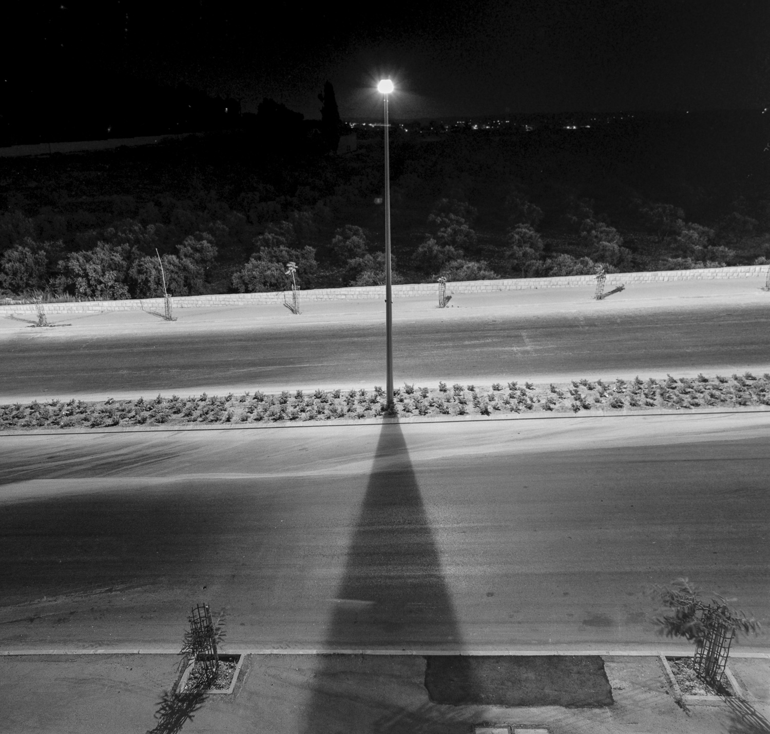 Streetlight and melting snow - Gilo, 1980