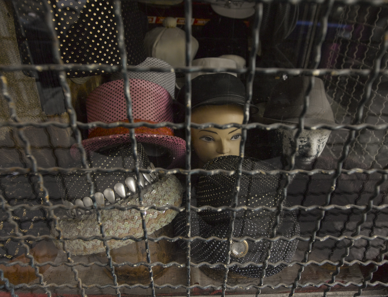 Shop window - Nachlat Binyamin, Tel Aviv, 2009