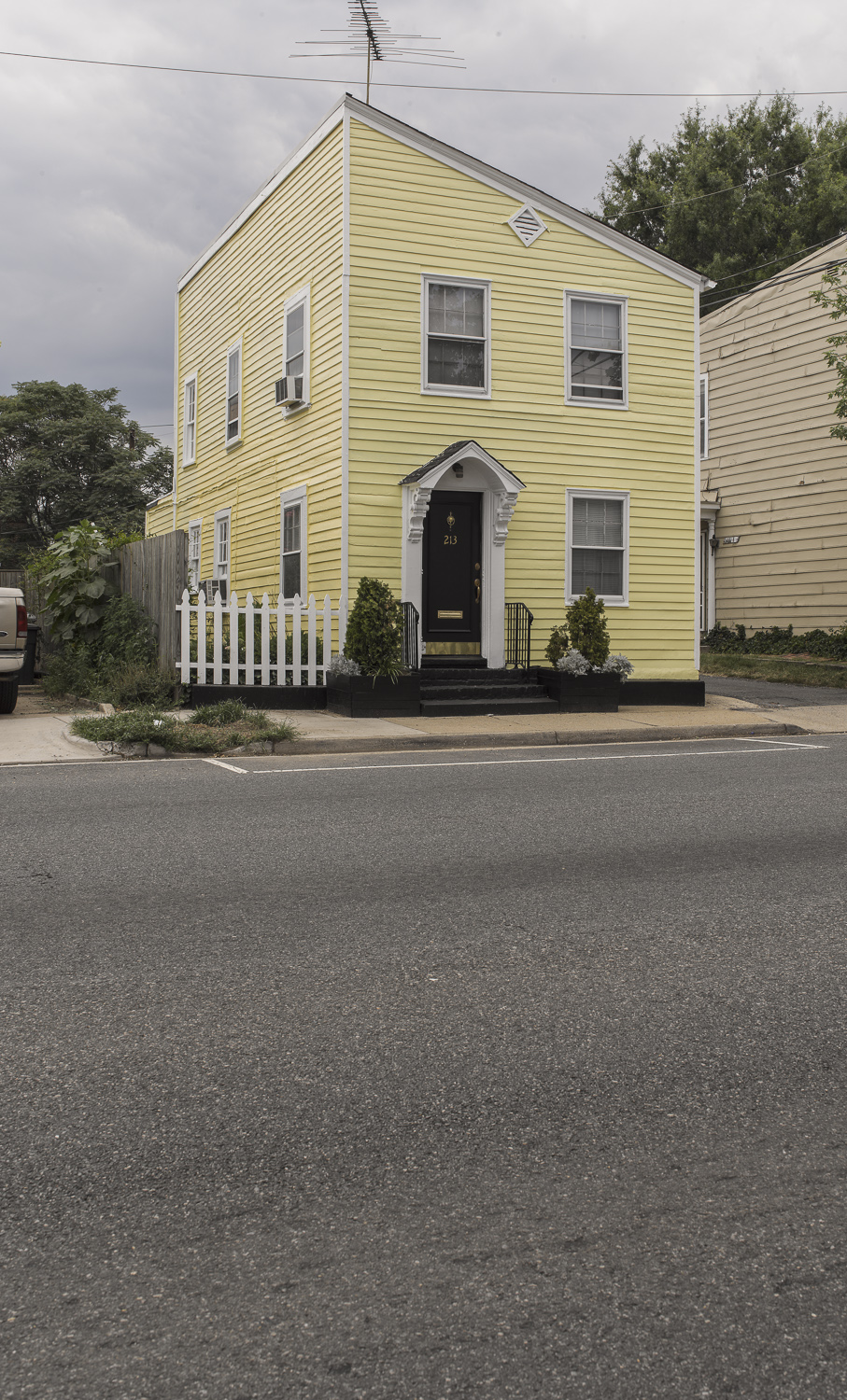 Yellow house - Alexandria, Virginia, 2011