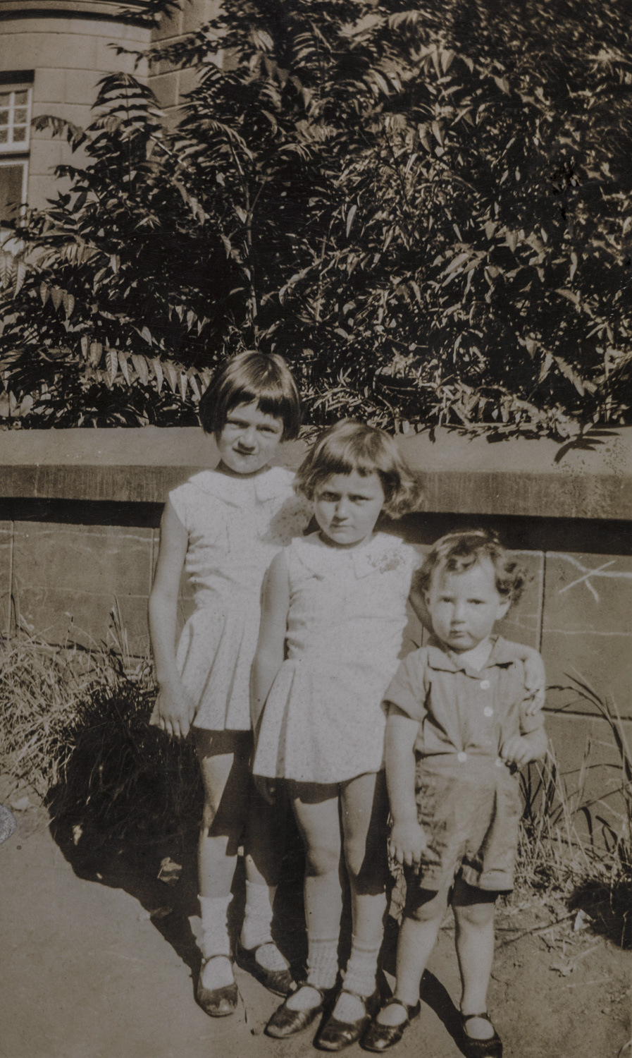 Bessie, Lily and Louis - Judith Paarl(?), circa 1933